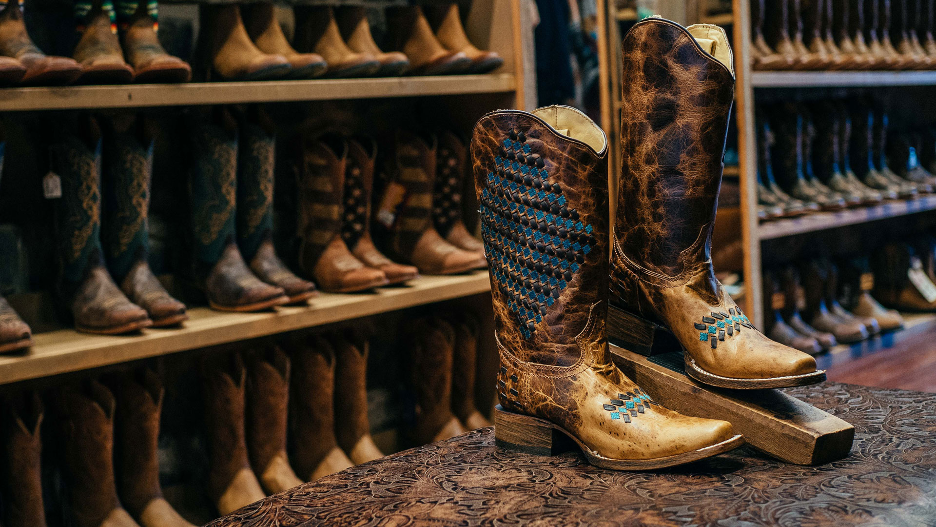 How to Measure Your Cowboy Boot Size